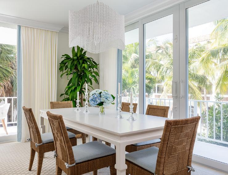 White Lacquer Dining Table With, White Lacquer Dining Room Chairs